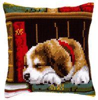 """Вышивка крестом """"Подушка. Собака, спящая на книжной полке"""" (400х400 мм)"""