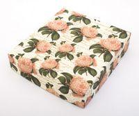 "Подарочная коробка ""Camellias"" (23х25х5,5 см)"
