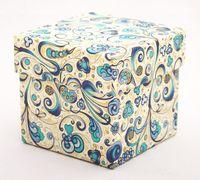 """Подарочная коробка """"Art-Nouveau Flowers"""" (7,5x7,5x7,5 см; синие элементы)"""