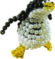 """Фигурка из бисера """"Любопытный пингвин"""""""