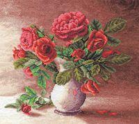 """Вышивка крестом """"Красные розы в белом кувшине"""""""