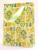 """Пакет бумажный подарочный """"Liberty Flowers"""" (23,5х17х7 см; зеленые элементы)"""