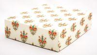 "Подарочная коробка ""Lilies"" (16,5х20х5 см; красные элементы)"